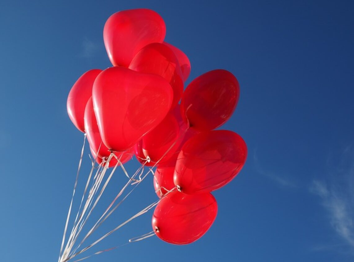 Make a donation to Red Balloon
